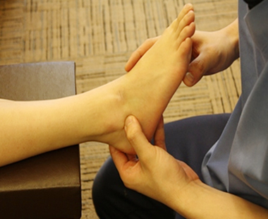 足関節(足首)捻挫 施術の流れ